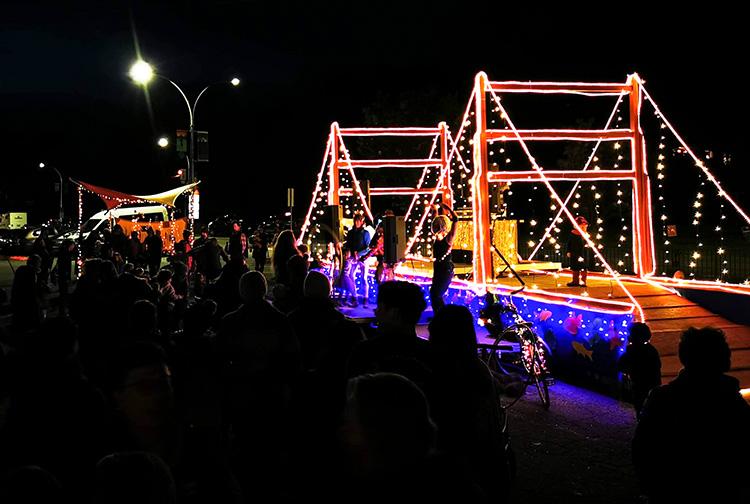 LUNA Art Festival Dancers LED stage
