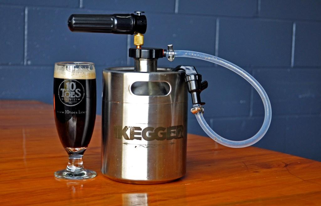 ikegger Hummer and served beer