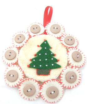 Christmas Ornament: Felt & Buttons Tree