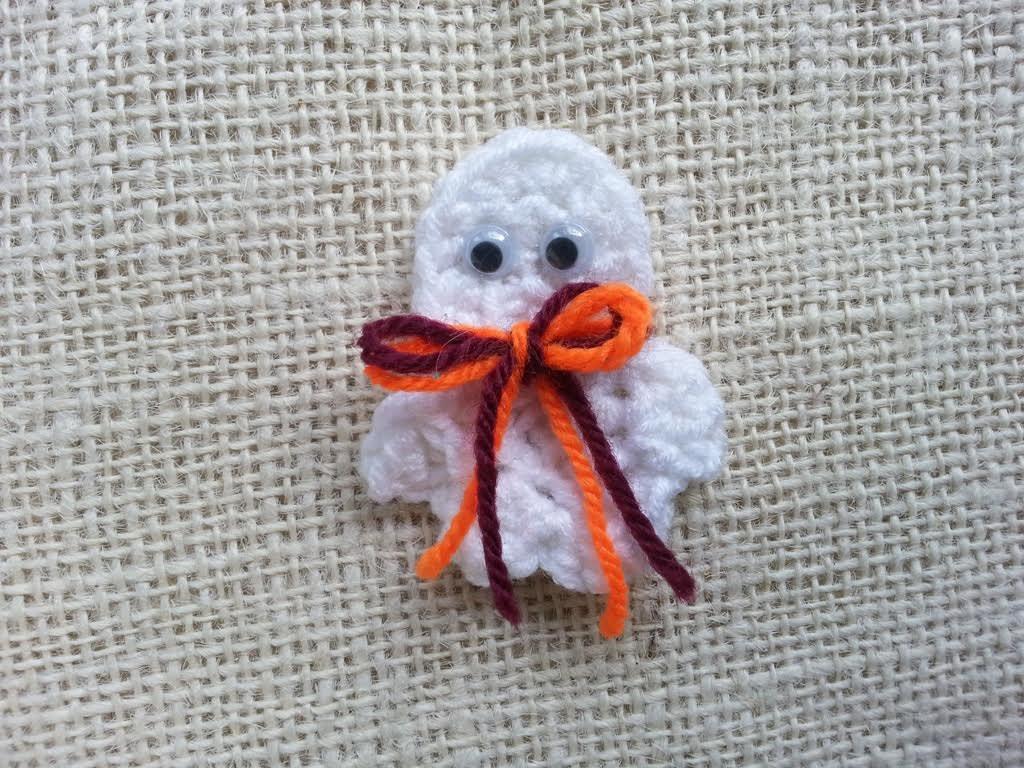 Crochet Ghost Pin