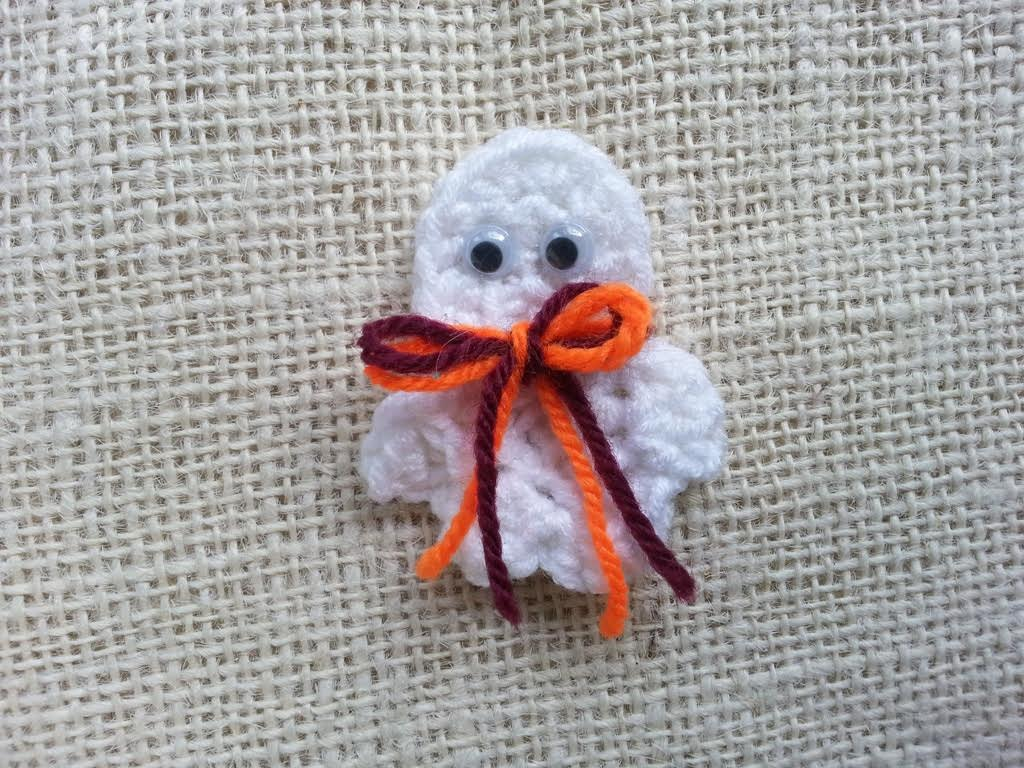 Crochet Ghost Pin