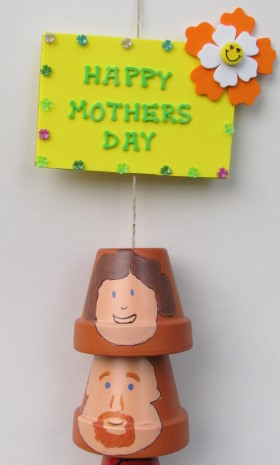 Mother's Day Craft: Plant Pot Family Wind Chime
