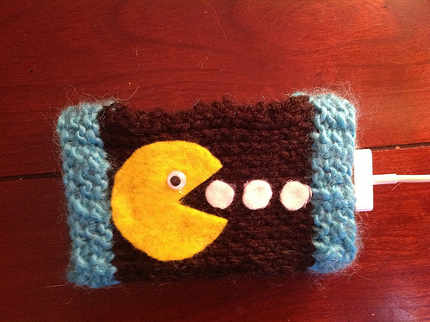 Knitted Pacman iPhone Sleeve