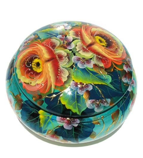 Win a Spring Russian Souvenir Box in Aqua