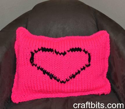 pinke side heart pillow