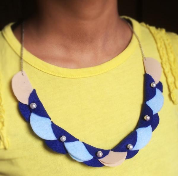 Necklace – Felt Circles Garland