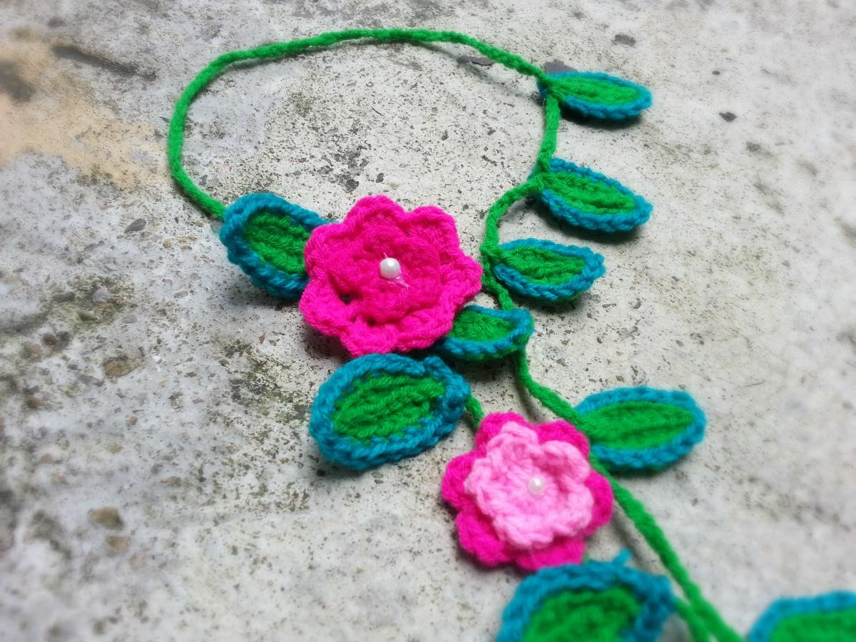 Crochet Floral Neck Piece