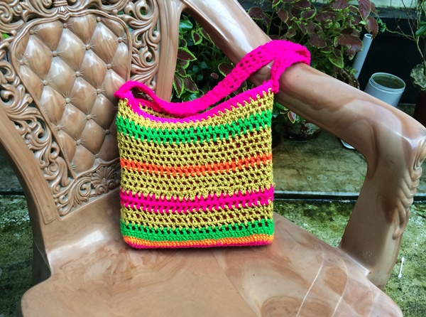 Easy Crochet Sling Shoulder Beach Bag