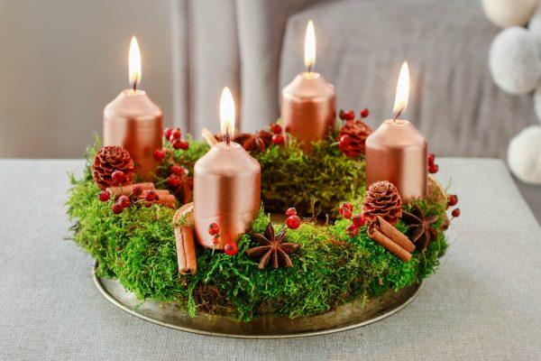 Christmas Centerpiece –  Moss Candles