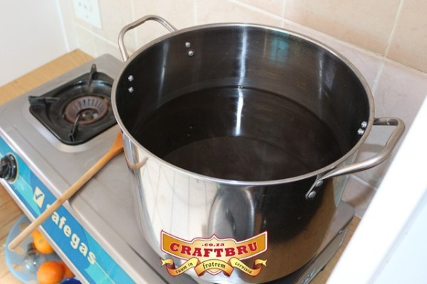 Lots of space in the brew pot - boil-overs be gone!