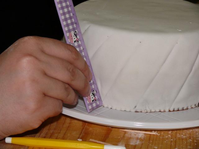 Il billowing o french contour è una tecnica decorativa molto molto scenografica. I Bordi Trapuntati Tutorial Crafty Prof