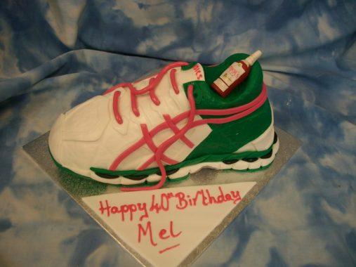 asics-birthday-cake-leeds-40th-birthday-cakes