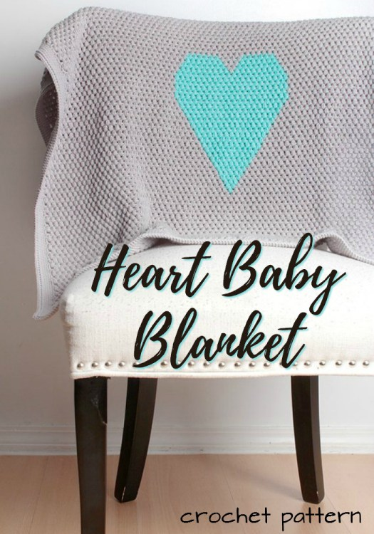 Such a sweet and simple baby blanket with a heart design on it! Looks super easy, like a beginner could do it too! #crochet #pattern #yarn #crafts #blanket #afghan #throw #babyblanket