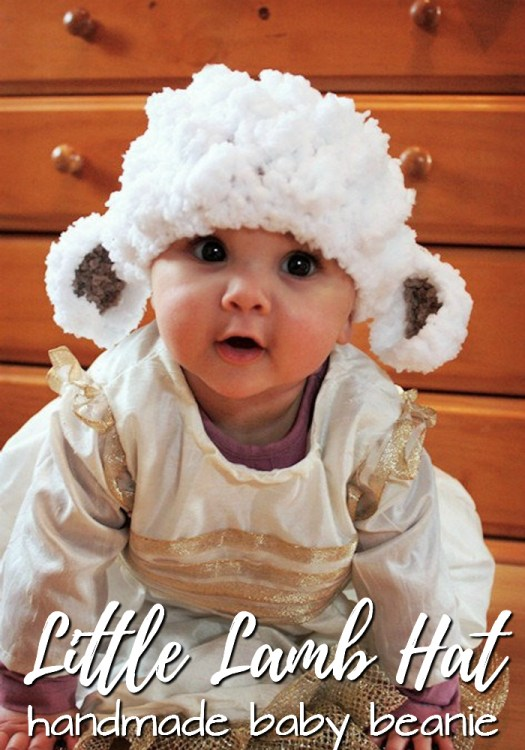 How adorable is this sweet fuzzy handmade lamb beanie?! What a fun idea for a nativity play at church! Great baby Christmas gift! #crochet #beanie #handmade #hat #toque #costume #photoprop #lamb #nativity #yarn #crafts #craftevangelist