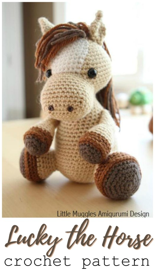 What a sweet little horse amigurumi crochet pattern! This would be perfect for a pony-loving child! What a perfect horse stuffed animal crochet pattern! #crochet #pattern #crochetpattern #amigurumi #amigurumipattern #yarn #crafts #farmanimals #stuffedtoys #handmadetoys #craftevangelist