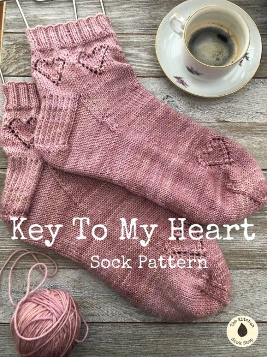 What a unique and adorable knit sock pattern! I love the heart designs in these sweet socks! Hand-knit socks DO say I love you! #keytomyheartsocks #trueloveknits #knitting #pattern #knitsocks #yarn #crafts #craftevangelist