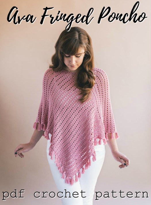 Super cute easy crochet poncho pattern. Love the drape on this garment! #crochet #pattern #crochetpattern #yarn #crafts #craftevangelist