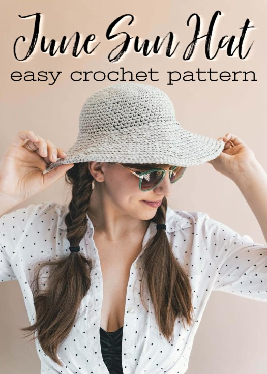 Time to crochet this easy sun hat crochet pattern by Sewrella! Love this cute sun hat, perfect for summer! #crochet #pattern #crochetpattern #hat #sunhat #june #sewrella #yarn #crafts #craftevangelist