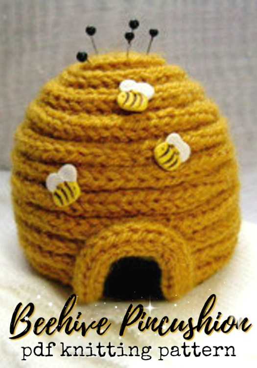 What a fun little knitting pattern for this beehive pincushion! I need one of these for my craft room! #knitting #pattern #knittingpattern #knit #amigurumi #bees #beehive #yarn #pincushion #crafts #craftevangelist