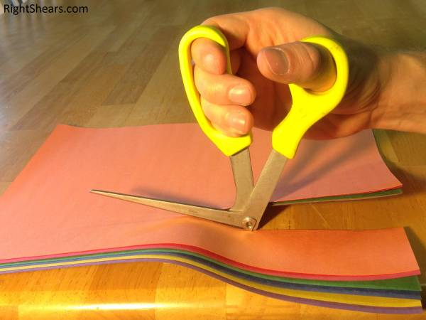 RightShears_cutting_paper
