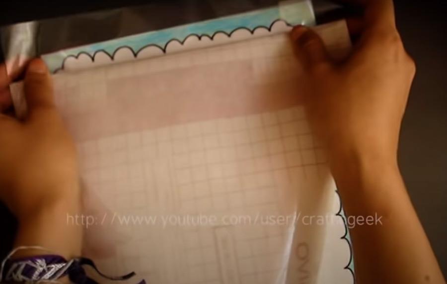 3) Forra con papel contact