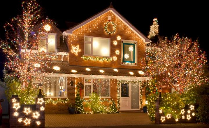 Decoración navideña con luces