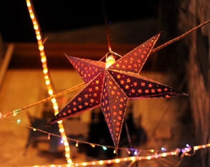 lampara_estrella_de_papel con luces de navidad