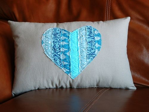 diy-everything-turquoise-best-ideas-for-home-heart-pillow