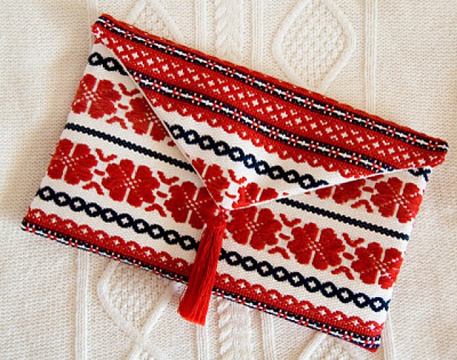 handmade-clutch-from-sweater-handmade-bags-and-purses-best-tutorial