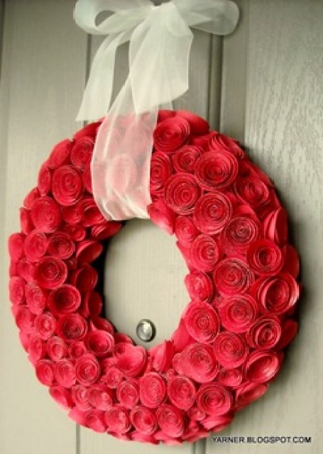 DIY-rosettes-wreath-DIY-wreaths-great-ideas