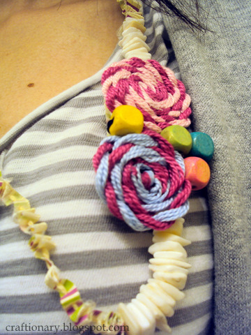 rosettes necklace closeup
