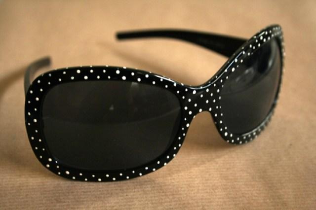 dots-sunglasses