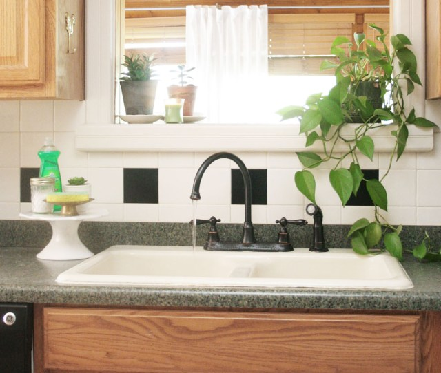 How To Keep The Kitchen Sink Clean And Organized Kitchen Sink Cleaning Kitchen Sink