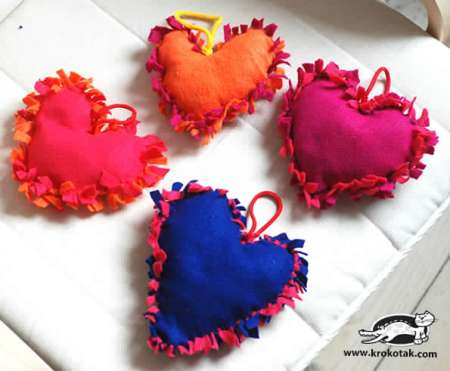 heart pillow no sew