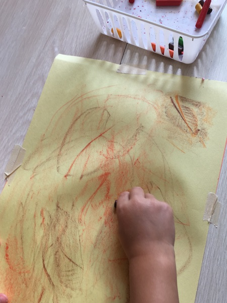 Fall arts for toddlers and preschoolers you can try out right now.