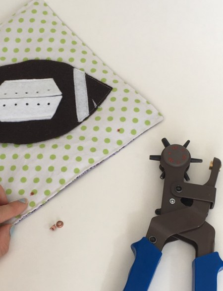 Hole puncher for fabric