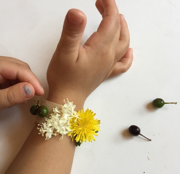 simple-nature-crafts-for-kids-make-stunning-nature-bracelet