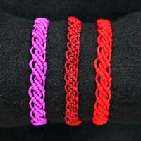 Macrame wavy bracelet