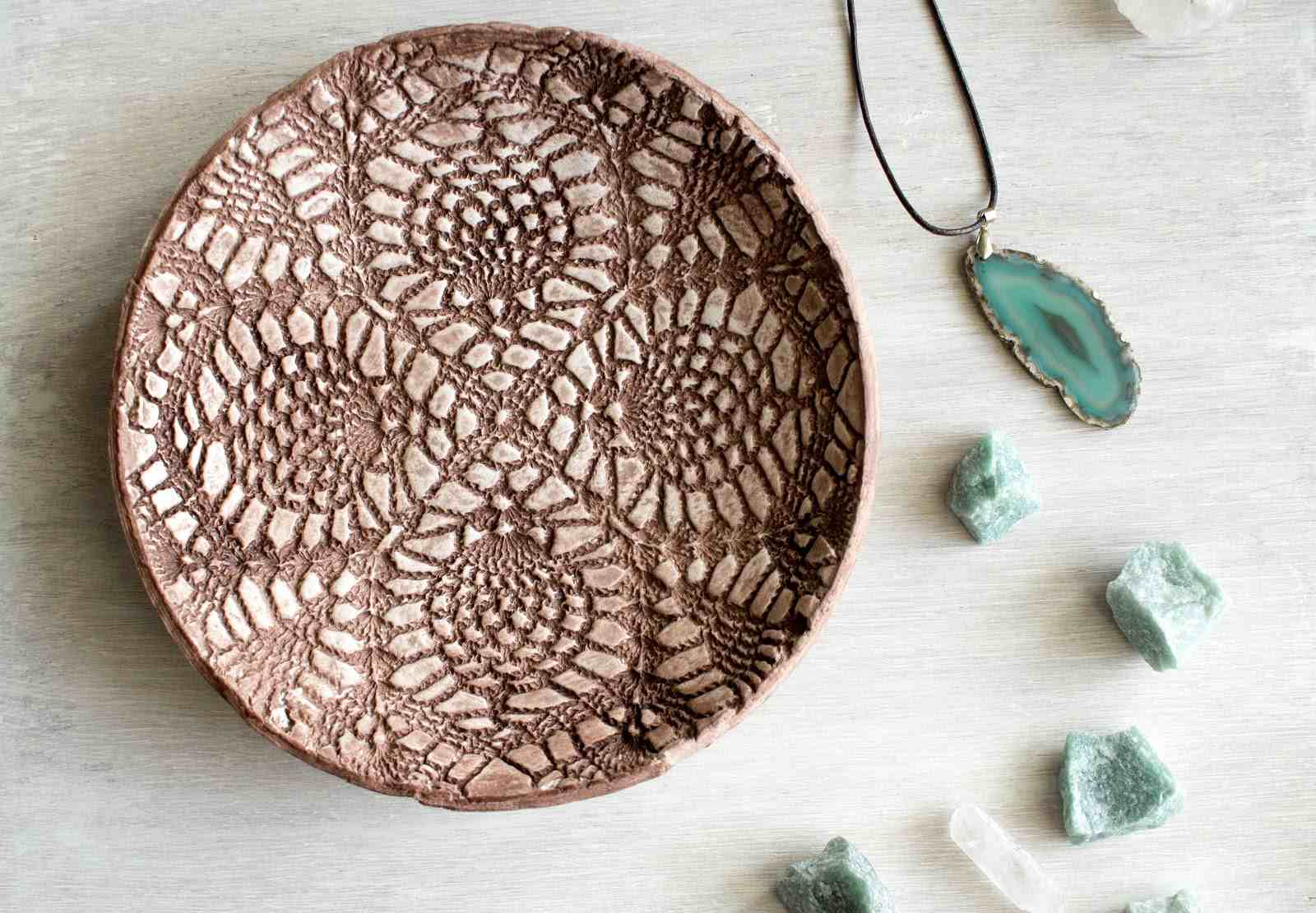 3 Pretty Designs of Craft Paper Doilies 15 Creative Doily Craft Ideas