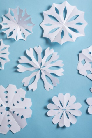Cool Crafts To Make With Paper Learn How To Make A 3d Paper Snowflake And Liven Up Your Home