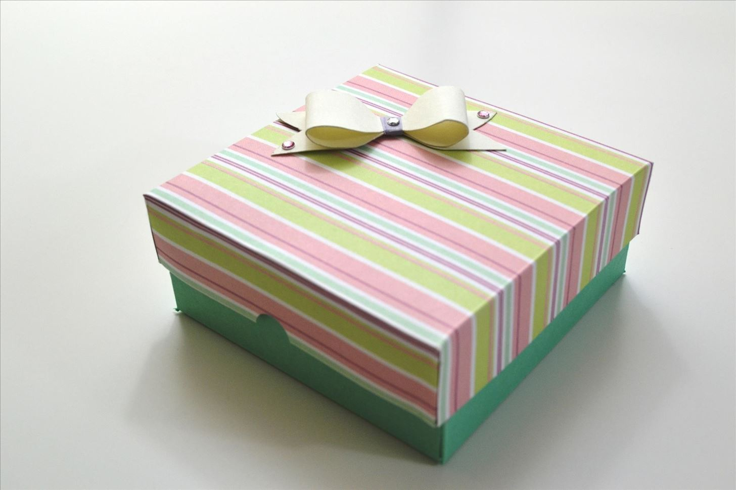 Handmade Paper Craft Gifts You can Make Right Now How To Make An Easy Paper Box Valentines Day Gift Diy Crafts
