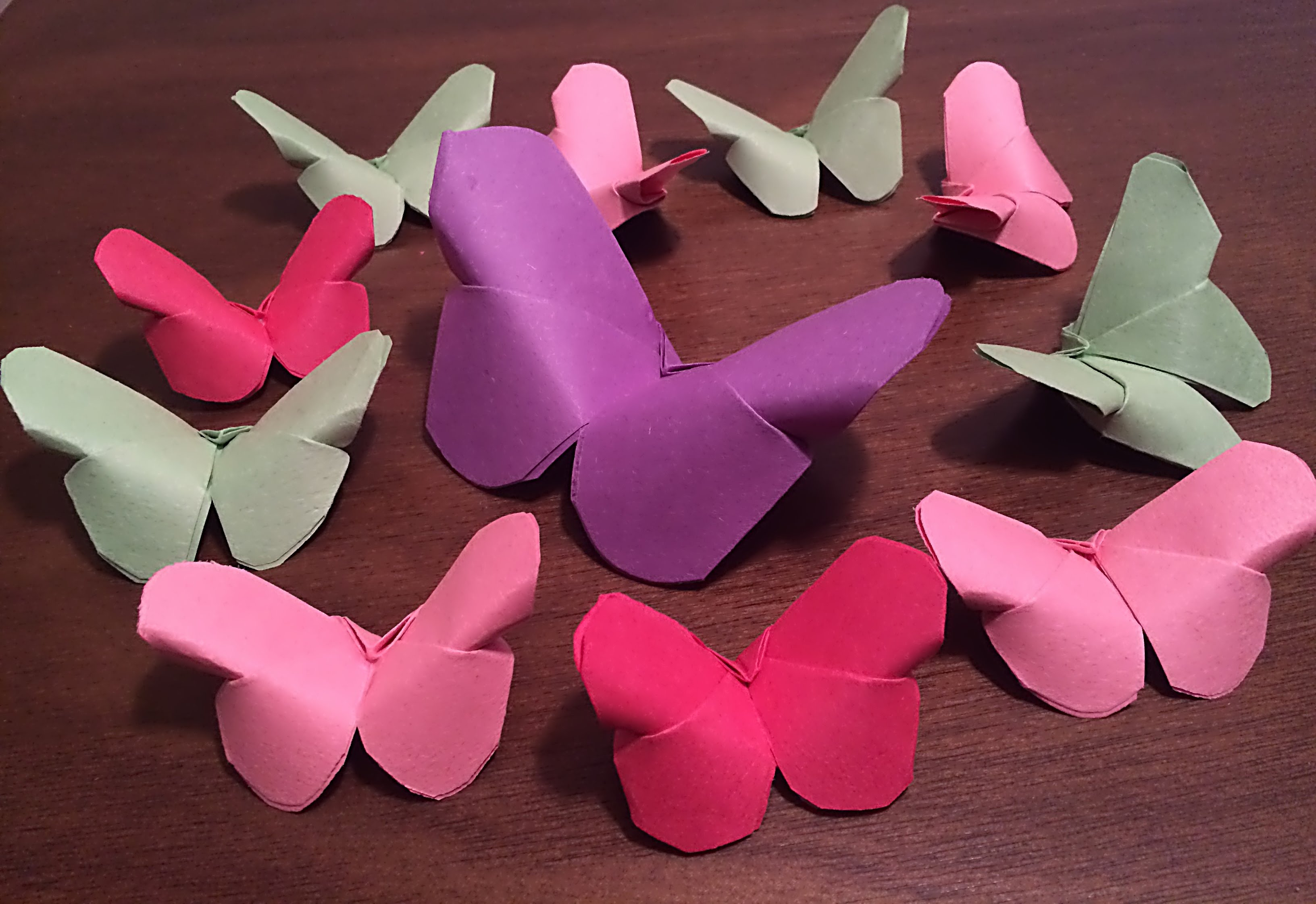 Simple and Cute Construction Paper Crafts for Kids Etikaprojects Do It Yourself Project