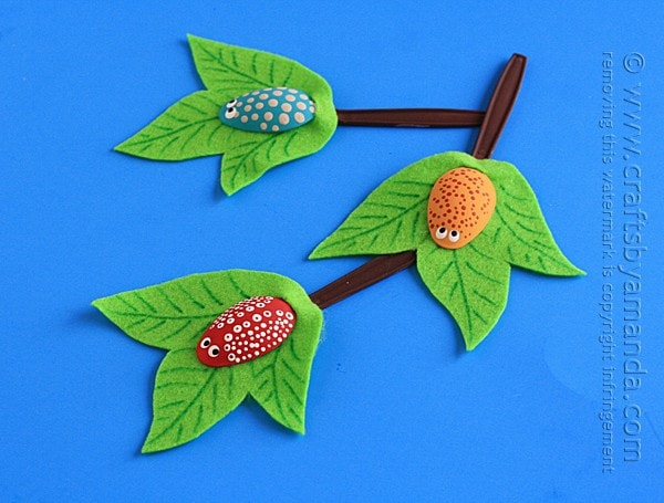 10 clever crafts using plastic spoons -Bugs on a Branch