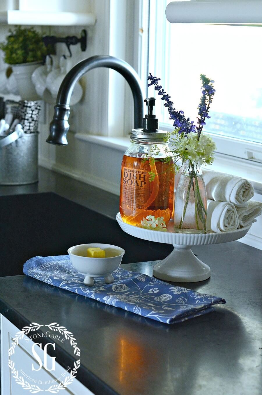 12 Best Kitchen Countertop Ideas To Be Well Organized ... on Counter Top Decor  id=74778