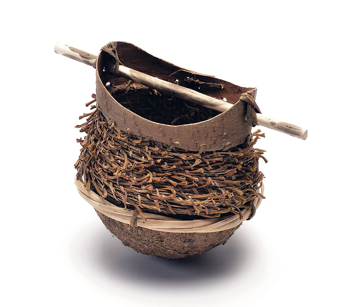 A small rustic vessel made using all parts of the willow.