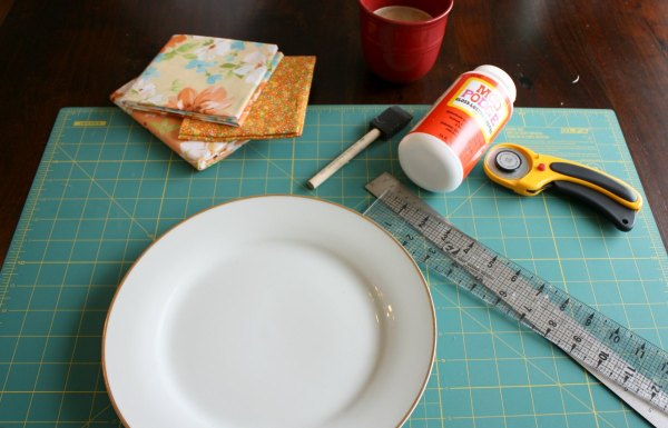 Floral Plate - Charger Supplies