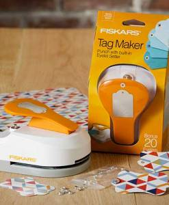 Fiskars 3 in 1 Tag Maker Punch