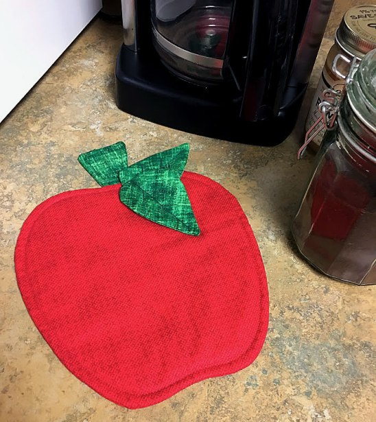 Apple Potholder from Potholders for All Seasons