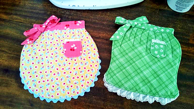 Apron Pot Holders with Riley Blake Calico Days Fabric at Craft Warehouse