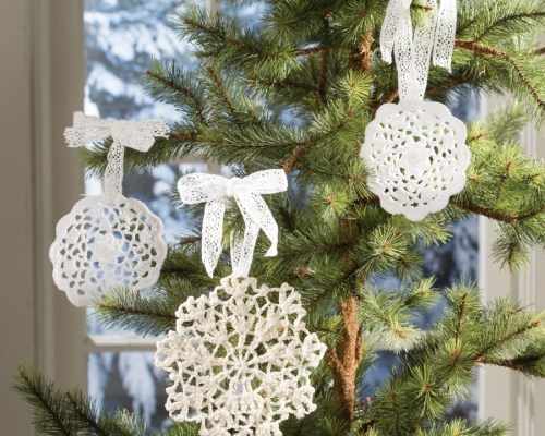 Make ornaments this Christmas with Lace Doilies